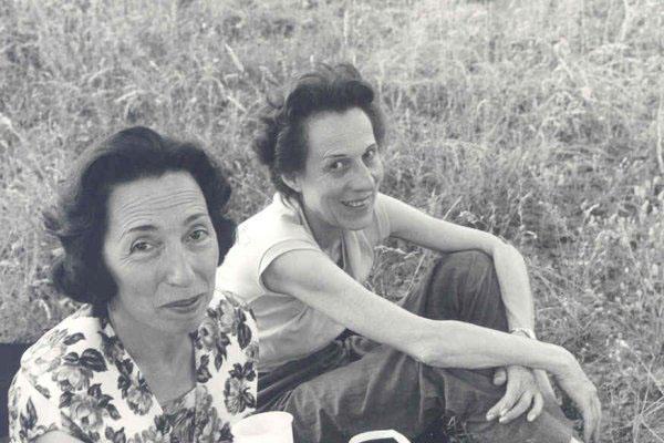 """1963 Congresso IARD (Rotary/Milão) para os superdotados – Capolona, """"La Nussa"""" – Edith Holz, Maria Panizza."""